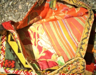 antique Lakai Usbek small bag - Silk. Size: approx. 35 x 35 cm. Perfect condition.