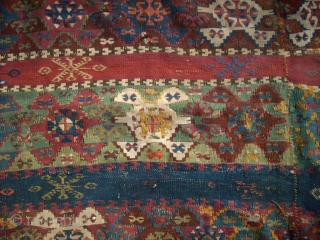 Antique anatolian Kilim. Size: 330 x 164 cm. Bad conditon. Holes. Damaged.