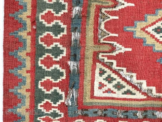 Antique small kelim fresh out of a New England home. Appears to be a Persian Shustar or bahktiari weaving. Lovely all natural colors including a rich tomato red, pretty yellow, deep green  ...