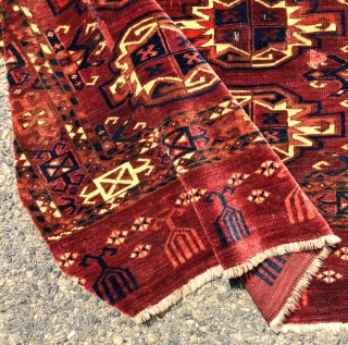 Antique yomud chuval with older spacious drawing good natural colors and a very nice skirt panel. Unfortunately someone needed a patch and cut a piece out. Let's hope that patch was for  ...