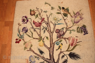 "Antique American Hooked rug 3'-10'' x 3'-1'' ""Tree of life"""