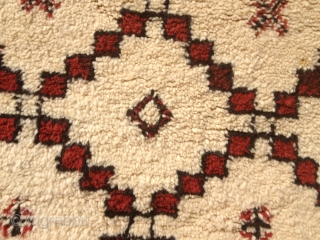 BENI ORUIA ATLAS RUG ANTIQE 195/290( UNUSEL BIG) CM MINT VEGTABEL COLORS SMALL STAIN( WE  WILL CIEAN) GREAT PRICE
