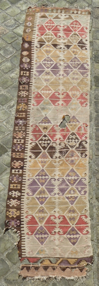 Central anatolian kilim band (386cmX86cm / 12ft8inX2ft10in).