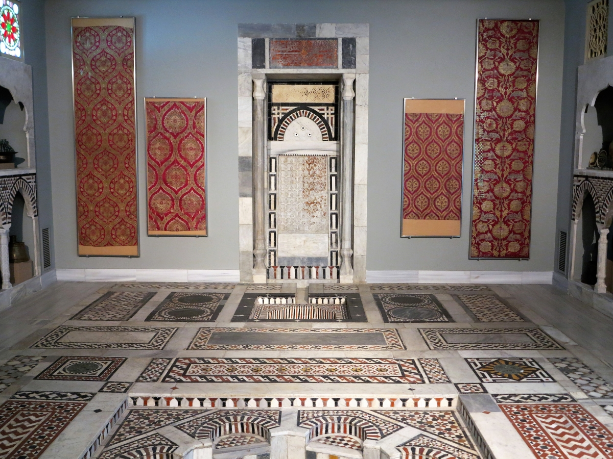 Benaki Museum of islamic Art, Athens: Ottoman silk textiles in situ