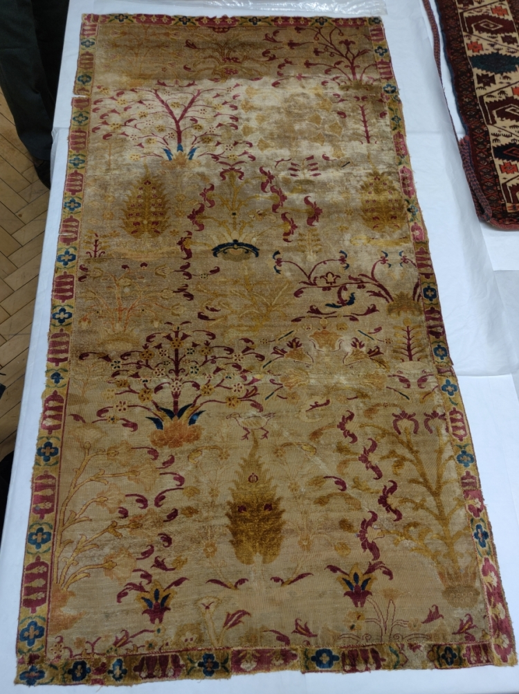 Blythe House, V&A, Safavid Persian silk carpet