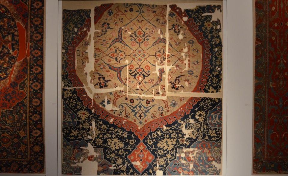 white medallion Ushak carpet Berlin