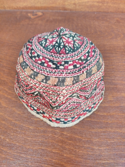 Turkmen hat silk embroidery 20 th century good condition