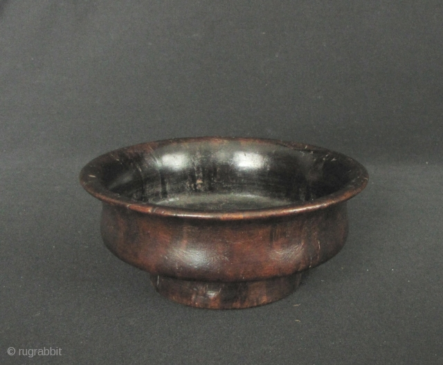 Tibetan Yak Butter Tea Bowl: carved from burlwood, possibly Rhododendron circa 50 to 100 years old. D:11.8cm/4.6in and H: 5cm/1.9in, there is one worn chip on the edge which is pretty normal  ...