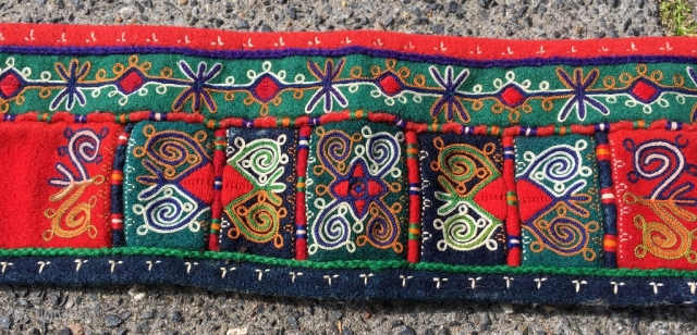 Finest Lakai embroidery, felt belt, size 48 x 3.5 inch (122 x 9 cm). This was bought by my grandmother in The Hague in the 1930's, and dates first quarter 20th century.  ...