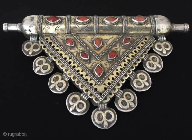 Central - Asia Turkmen old tribal silver amulet pendant fire gilded with old cornalian Excellent condition ! Circa - 1900 Size - Lenght : 18 cm - Height : 11 cm -  ...