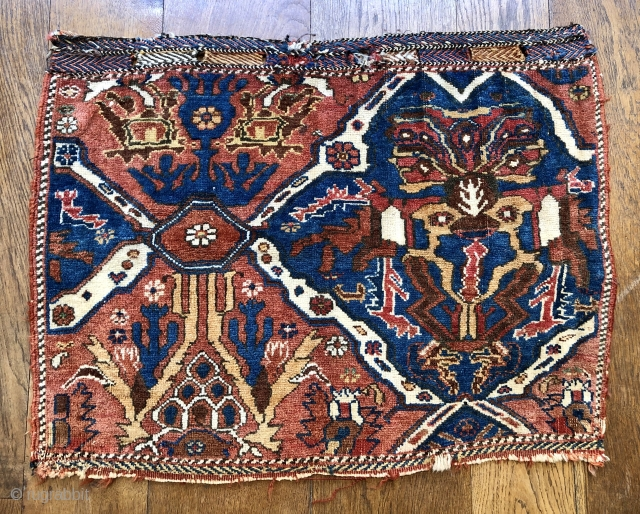 Very unusual antique Afshar bag face with wagireh like design  Late 19 c all wool natural dyes original selvedges kelim finish at bottom and flat weave top  Size 76 x 57 cm.  ...