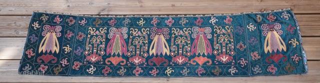 Beautiful  Uzbek embroidery , good condition ...  Size : 175/45 cm