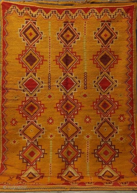 Rf 118- Ait Ouaouzguite Berber rug ( Ait Douchen ), wool, 267 x 150 cm, circa 1970s.
