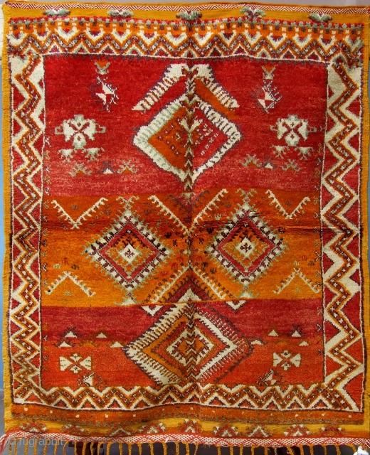 Rf 124-Ait Ouaouzguite rug ( Ait oubiel ), wool, 163 x 142 cm, circa 1960s.