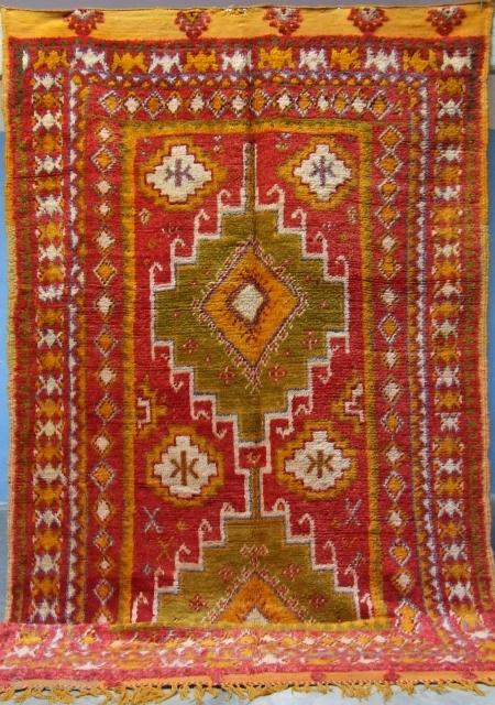 Rf 131-Ait Ouaouzguite rug ( Ait Douchen- Ait Ouaouzguite ), wool, 297 x 145 cm, circa 1970s.