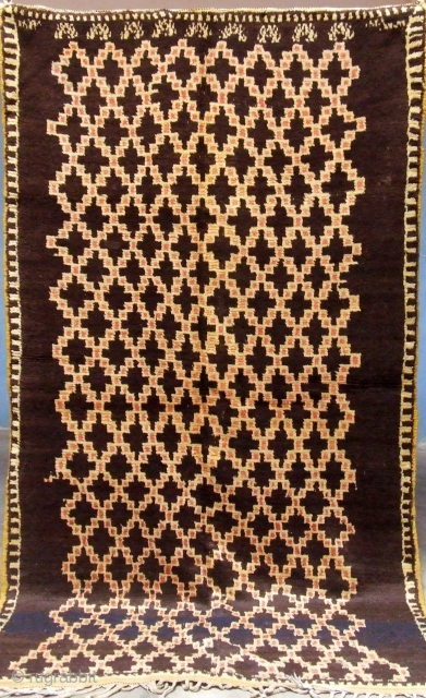 Rf 54- Anti-atlas Berber rug ( Ait znaga north ), wool, natural colour, 235 x 135 cm, circa 1920-30s.