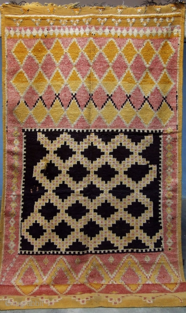 f 66-Anti-atlas Berber rug ( Ait Znaga north ), wool, 250 x 131 cm, circa 1960s.