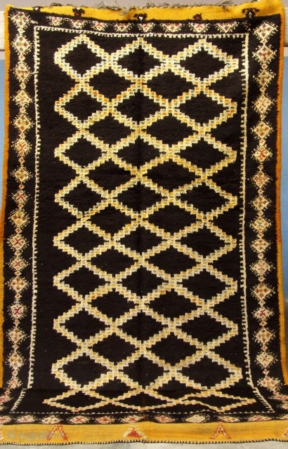Rf 70- Berber rug, Ait Ouaouzguite ( Ait Znaga south ), wool, 325 x 144 cm, circa 1965-70s.