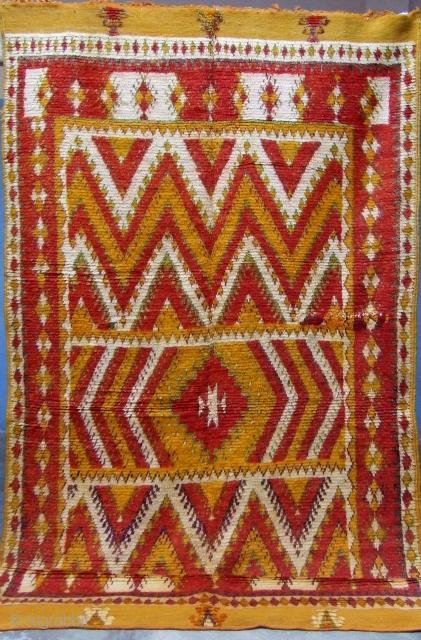 Rf 78- Anti-atlas Berber rug, Ait Ouaouzguite ( Ait Khozama nomads ), wool, 270 x 138 cm, circa 1965-70s.
