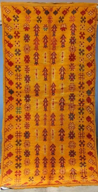 Rf 79- Ait Ouaouzguite Berber rug ( Ait douchen ), wool, 207 x 102 cm, circa 1970s.