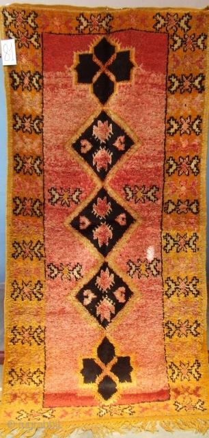 Rf 81- Anti-atlas Berber rug ( Ait Emer- douchen ), wool, 208 x 100 cm, circa 1970s.