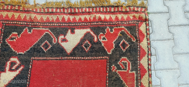 it's a very interesting immigrant tulle rug size=256x107