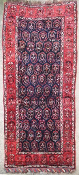 Old Ghashghai rug with a beautiful velvet.