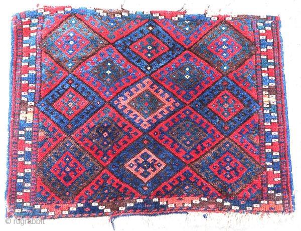 Kurdish rug, Jaff, around 1900. In good condition but incomplete in the endings.  Origin : Kurdistan Period : around 1900 Size : 82 x 60 cm Material : wool on wool Good general condition but in incomplete  ...