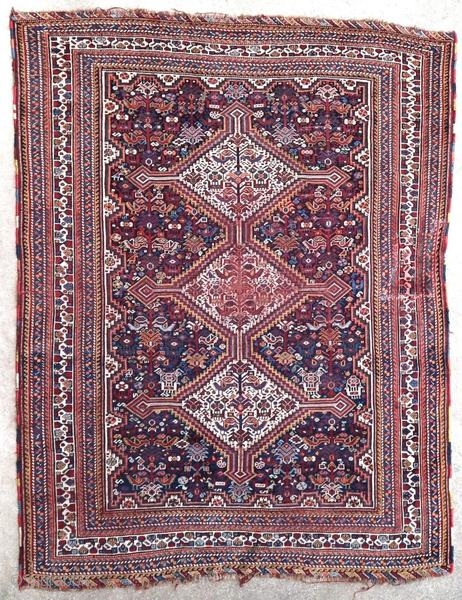 Old Ghashghai rug, 1900 or before, an old restoration, wear in the center. Nice tribe weaving.  Origin : Persia Period : 1900 or before Size : 200 x 155 cm Material : wool on wool Wear in  ...