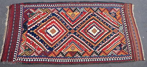 Beautiful Ghashghai kilim, 1900 or before.  Origin : Persia Period : 1900 or before Size : 315 x 160 cm Material : wool on wool Good general condition with few old restorations Vegetable dyes Handwoven  This kilim has been cleaned  ...