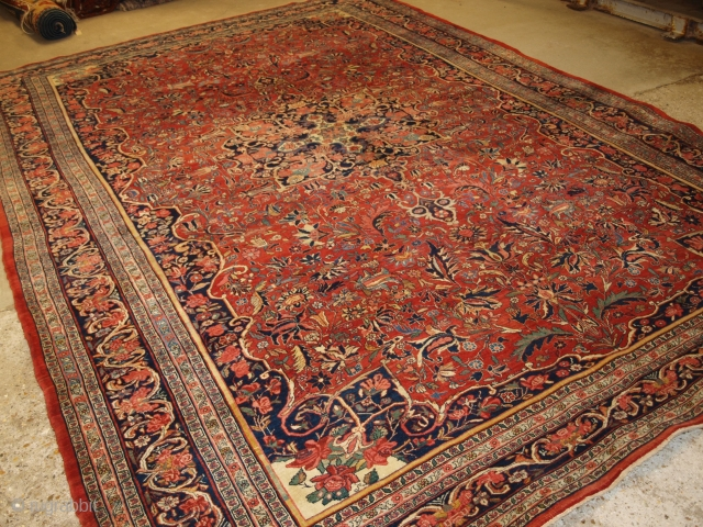 Antique Persian Bijar carpet of small medallion design with excellent natural dyed colours throughout. www.knightsantiques.co.uk 