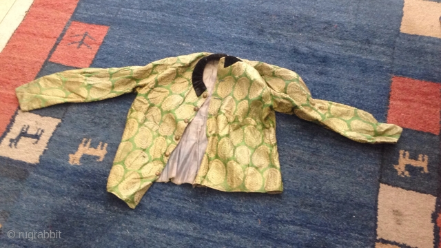 Jaket Persian zari antiqe mint condition  please ask