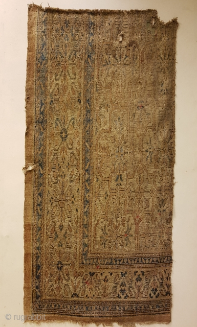 Kashgar silk and metal thread (in fish bone technique). XVIII century. An outastanding charming fragment with very elegant design and noble colors. Size is cm 215x114.