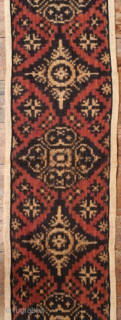 Balinese Double Ikat Textile (Kamben Geringsing)  Origin: Indonesia, Bali, Tenganan Pegeringsingan, 30-40 years old   Technique: Handspun cotton, natural dyes, warp and weft ikat  Description: A nice example of the renowned double ikat (geringsing) sacred  ...