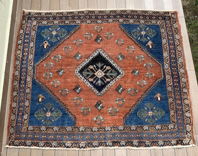 Late 19th century Qashqai. All natural colors with harmonious palette. Fine weave and wonderful composition. 115cm x 140cm