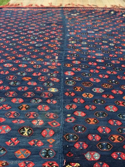 East Anatolian (Hakkari Kashuran) kilim. In mint condition. All natural colors. 234 x 150cm/ 92x59 inches.