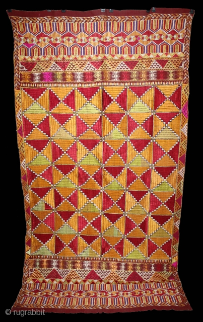 Phulkari From East(Punjab)India Called As Bagh.Rare Pattern Cowdi Design.Beautiful colour Combination of Pallu.Floss Silk on Hand Spun Cotton khaddar Cloth.Mind Condition.(DSL03160).