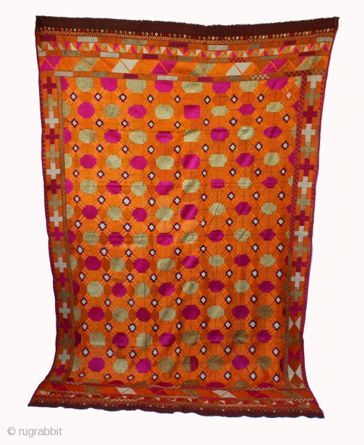 Vintage Bagh from East india punjab phulkari Motif of stylised Gobhi (Cauliflower) in Yellow and Multi Colour Extremely fine specimen of a Bagh East punjab.(DSE00405)
