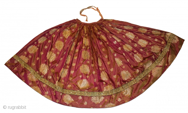Zari Brocade (Skirt) Silk Fabric Dhup Chaoun, Zardosi Border Real Silver & Gold.Royal Family of Rajesthan India.Its size is Length 90 c.m X 464 c.m. 19th Century From Varansia Good Condition.(DSC00415)