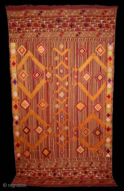 Phulkari From East(Punjab)India Called As Sarpallu(Patang Design) Bagh.Rare Design.Floss Silk on Hand Spun Cotton khaddar Cloth.Mind Condition.Its size is 124cm x 228cm.(DSE03420).