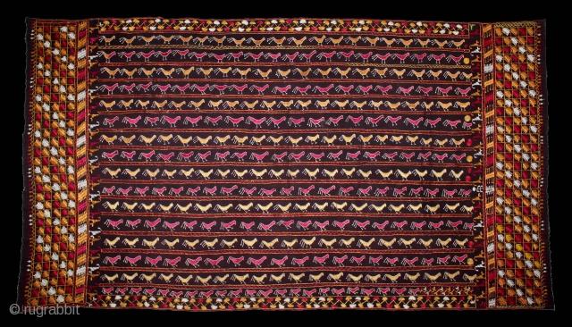 Folk Phulkari From East(Punjab)India.C.1900.Rare Birds Design.Floss Silk on Hand Spun Cotton khaddar Cloth.(DSL03450).