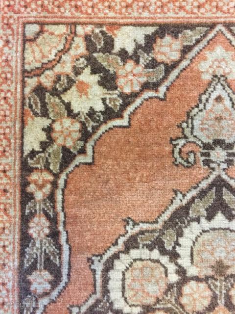 Minimal Djevheri Tabriz 78 x 59 cm (bottom end has some missing)