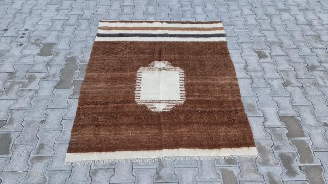 Size : 134 x 160 (cm), East anatoli, Natural wool . Blanket .
