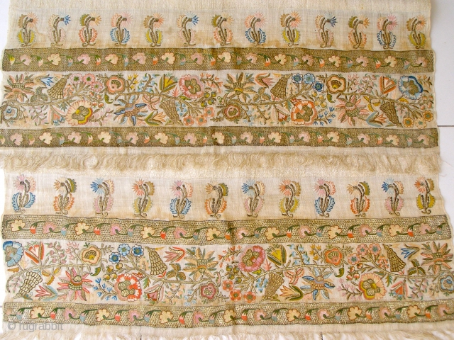 A rare, large, Ottoman aristocratic towel, made with silver and silk stitches, with BREATHTAKING colours and design. The colours in the photos do not do it justice. It is in MINT condition,  ...