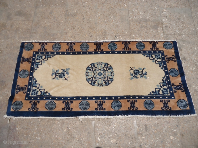 """Ivory ground chinese seating rug with nice design and good condition.Size 4'7""""*2'1"""".E.mail for more info and pics."""
