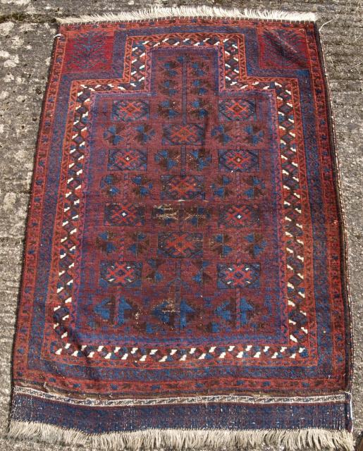 Timuri Baluch prayer rug, size: 122 x 87cm. www.knightsantiques.co.uk