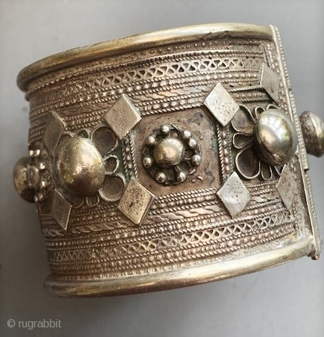 Silver cuff from Mauritania early 20th c