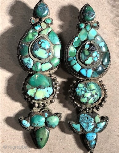 Rare early small size Agor earrings circa 1800-40 Tibet.