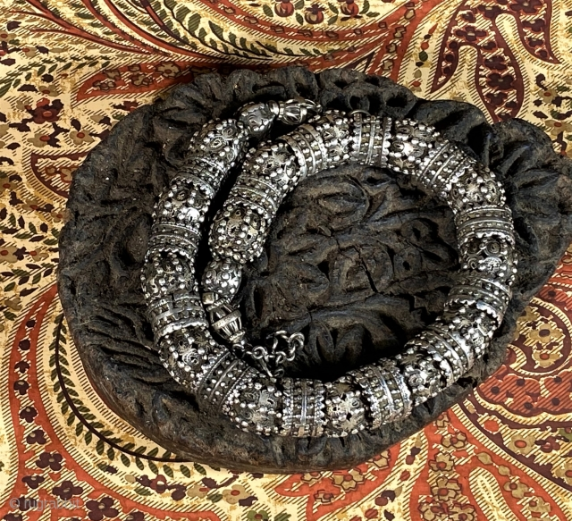 very early granulated necklace of silver from Yemen