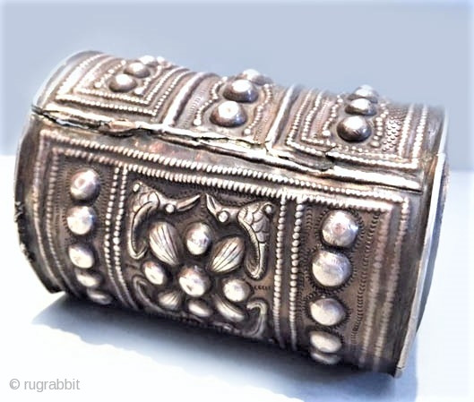 Silver large cuff, in very good silver  Miao group , 19th c , inside repairs from long usage. Can be worn and used.